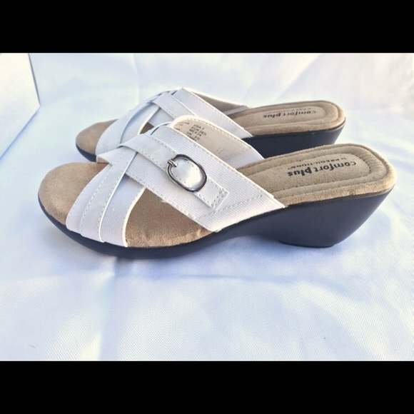 Predictions Shoes - 🔸4/$20🔸⬇️NIB White Radner Sandals Size 7